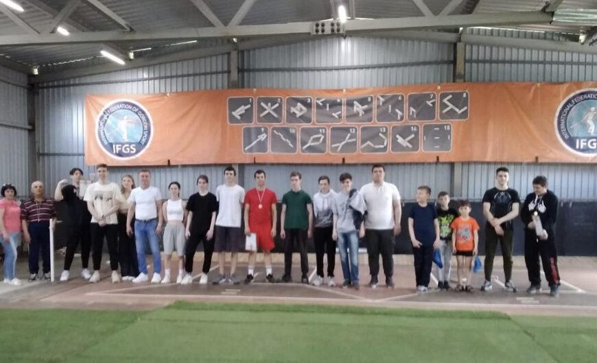 15 мая на городошному площадке прошли соревнования территориального управления Селятино по городошному спорту.