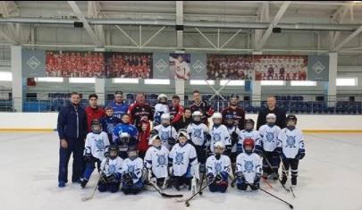 5 июня в отделении хоккея в группе 2013 г.р. (тренер Давыдов Д.С.) состоялось закрытие сезона 2020-2021.